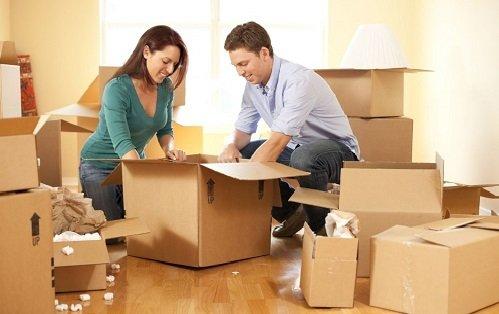 Đóng gói các vật nặng trong hộp lớn